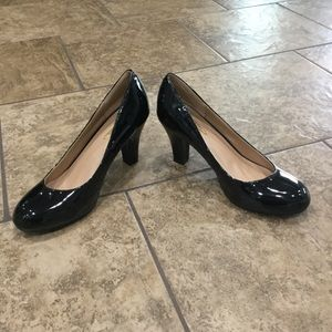 Journey collection size 9 black pumps